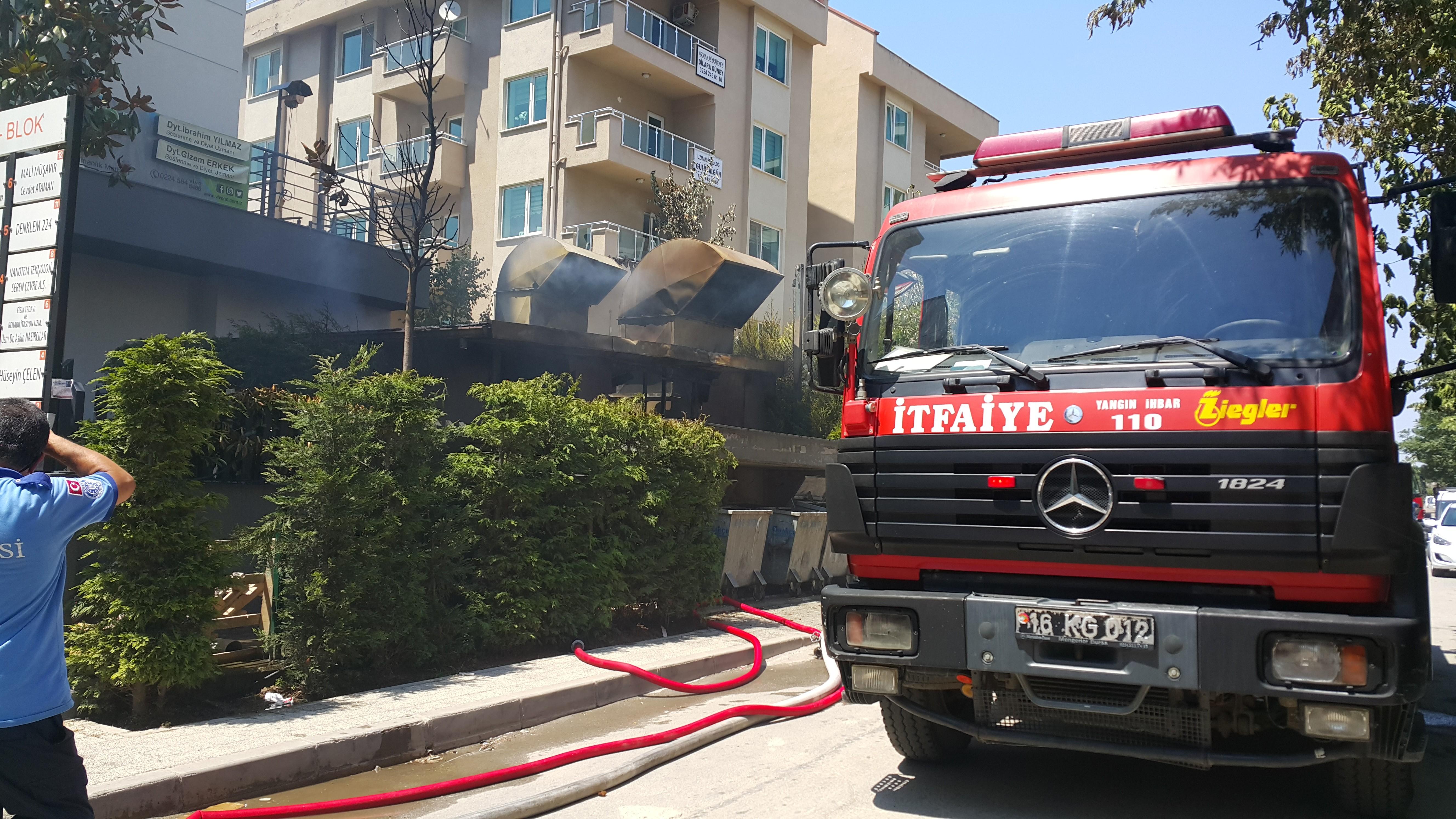 Lüks sitede korkutan yangın