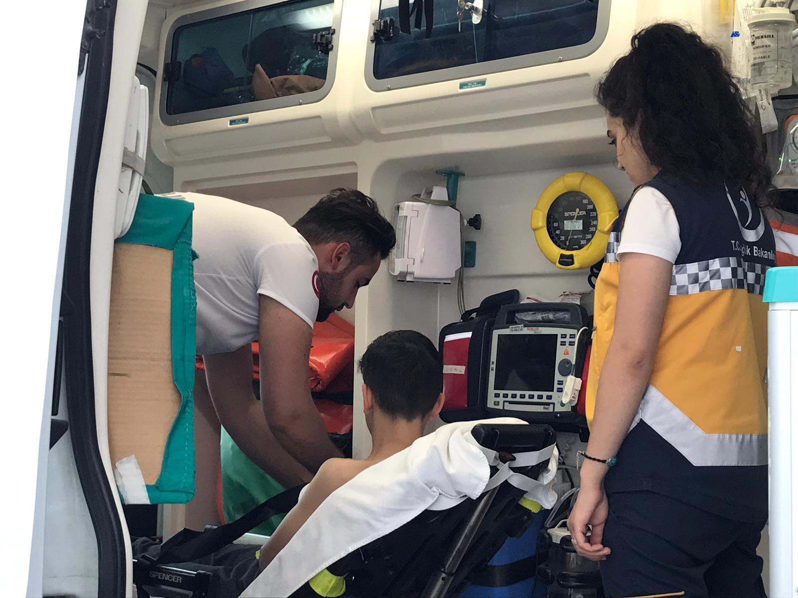 Trambolinden düşen çocuk yaralandı
